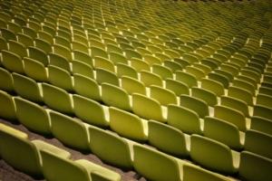 Grüne Sitzreihen